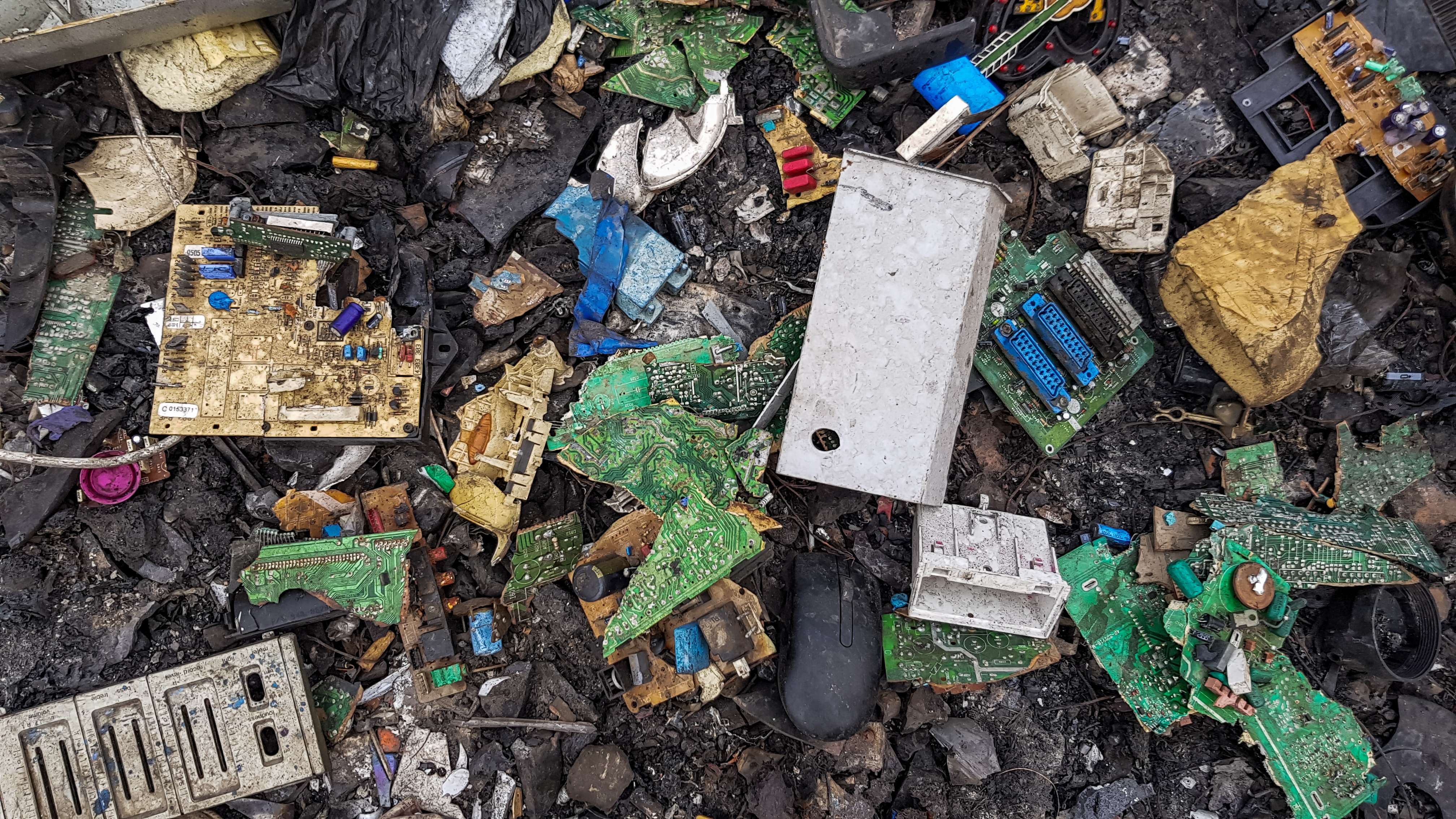 PCB and Electronic components in waste.